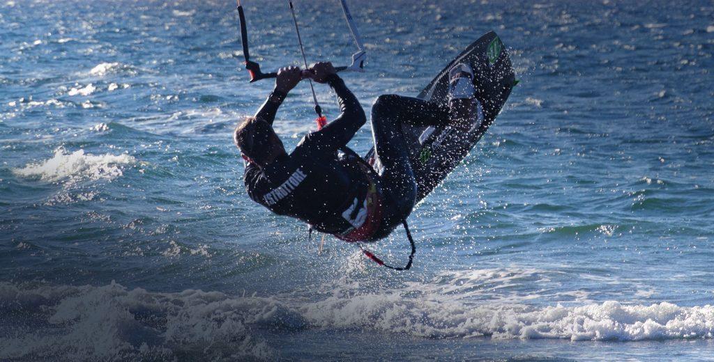 Come saltare con il kitesurf
